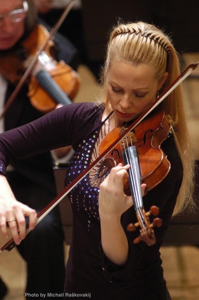 Smuikininkė Rūta Lipinaitytė